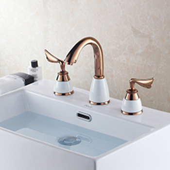 luxury-deck-mounted-basin-faucets-mixer